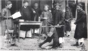 Ảnh một vụ xử án ở địa phương thời Pháp thuộc